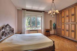 Camera letto matrimoniale stile Rinascimentale, completa.