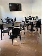 Tavolo Noir completo di sedie