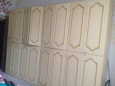 Ampio armadio a parete scomponibile - buono stato