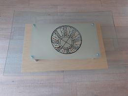 Tavolino da sala in legno e cristallo