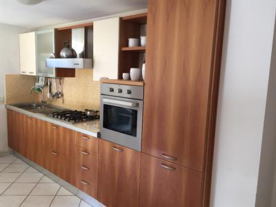 Cucina completa lunghezza cm 380