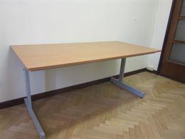 Tavolo - legno chiaro