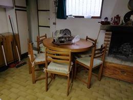 Tavolo tondo e 6 sedie