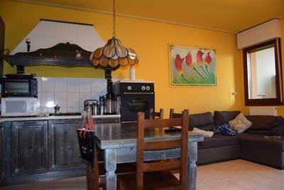 Cucina come da foto con colonna forno