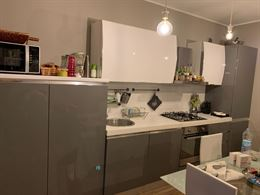 Cucina moderna Bianco-Grigio