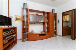 Camera da letto, soggiorno e ingresso