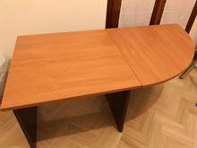[ufficio o studio] scrivania