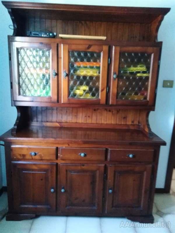 Credenza stile tirolese, in legno Trieste Friuli