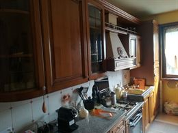 Cucina lineare in noce