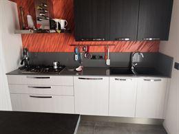 Veneta cucine con penisola bancone bar e angolo dispensa