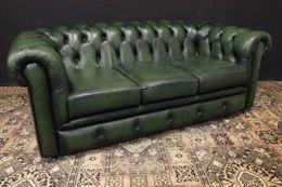 Divano originale Chesterfield club in pelle verde bottiglia