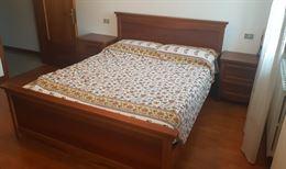 Camera da letto + 2 comodini + comò con specchiera