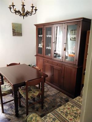 Sala - tavolo e divano