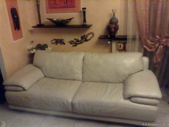 Milano divani usati e poltrone usate divani letto divani pelle - Divano casanova chateau d ax misure ...