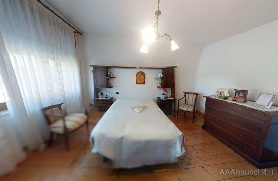 Camera da letto arte povera artigianale - Vicenza - Veneto