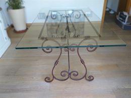 Tavolo in cristallo base in ferro battuto