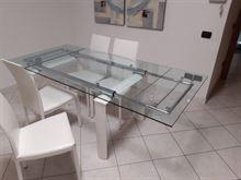 Tavolo e sedie - 8 persone