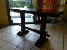 Tavolo in legno a consolle richiudibile