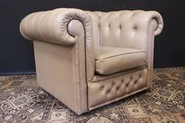 Poltrona originale Chesterfield club in pelle bianco avorio