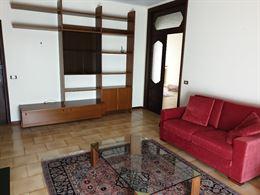 Salotto in legno completo