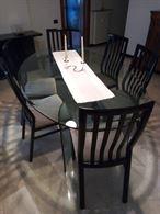 Tavolo in cristallo e sedie