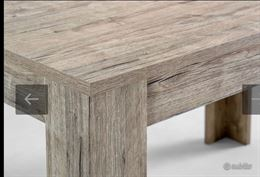 Tavolo e sedie per interno