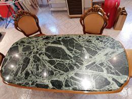 Tavolo di marmo