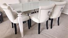Tavolo e sedie