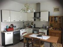 Cucina componibile ad angolo laccata crema