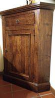 Angoliera in legno