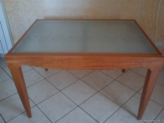 Napoli tavoli usati sedie usate tavoli cucina sedie for Calligaris tavolo cristallo