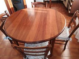 Tavolo rotondo con 4 sedie impagliate