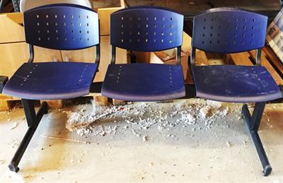 Blocco panchina con 3 sedute colore blu