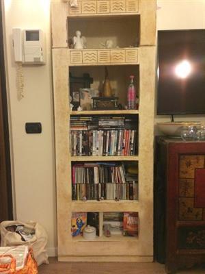 Libreria in due pezzi ridipinta in