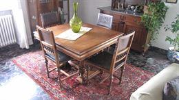 Bel tavolo in legno massiccio più