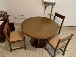 Tavolo Rotondo con 3 Sedie