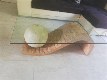 Tavolo di salotto di vetro