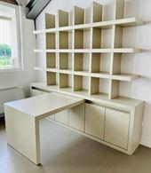Libreria con scrivania mobile