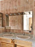 Doppio lavabo + specchio e luci