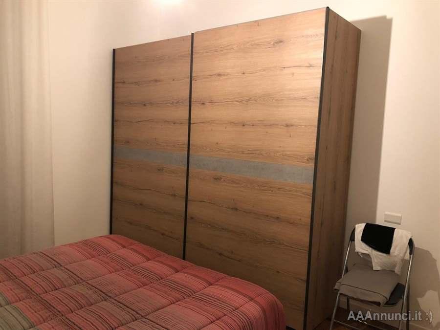 Armadio Ante Scorrevoli Lombardia.Armadio Moderno Doppia Anta Scorrevole Come Nuovo Milano Lombardia