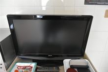 Televisori, frigorifero, mobiletti bagno
