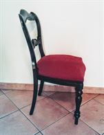 Quattro sedie classiche in vero legno