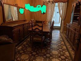 Soggiorno - tavolo, cristalliera, divano
