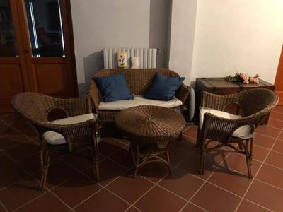 Set tavolo+sedie+divanetto