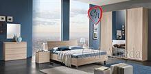 Camera da letto scorrevole con specchio
