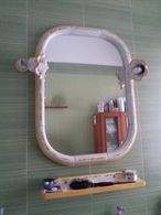Specchiera bagno in ceramica di Capodimonte completa di