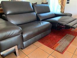 Divano reclinabile con sistema relax elettrico