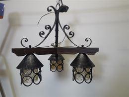 Coppia di lampadari da taverna