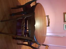 Tavolo tondo allungabile e 4 sedie