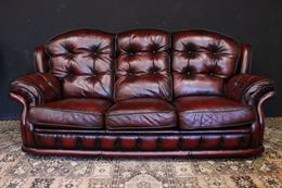 Divano Chesterfield originale inglese in pelle bordeaux